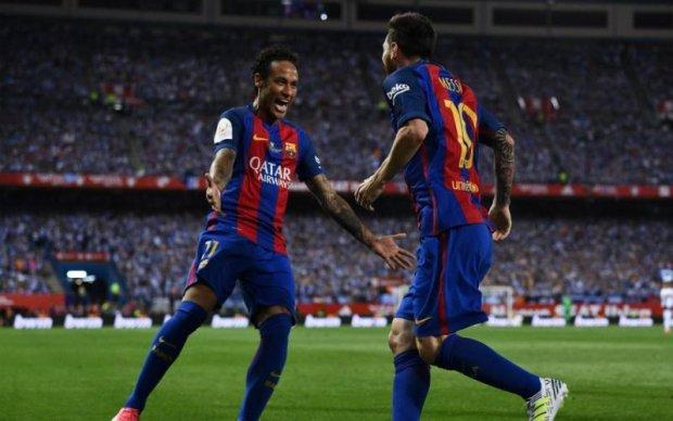Родичі Неймара рекомендують футболістові піти з Барселони