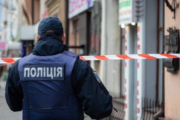 Под Львовом военный сбил насмерть пешехода, погоны в крови, - трагические кадры