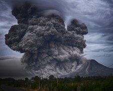 Извержение, фото - Pickyourtrail Blog