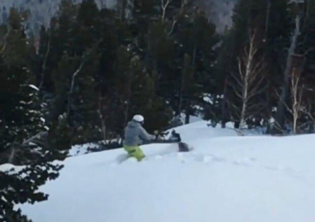 Сноубордист устроил разборки с... глухарем и получил по заслугам: курьезное видео взорвало сеть