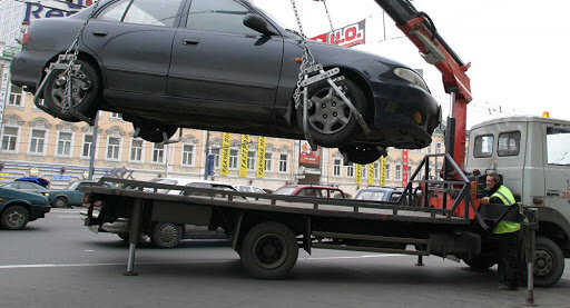 эвакуации автомобиля, фото: http://uriston.com