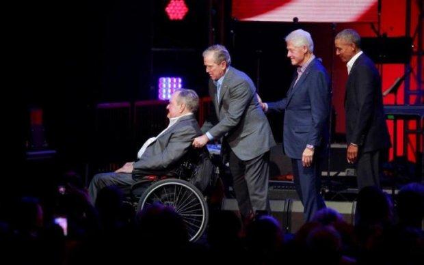 Екс-президента Буша намагаються врятувати