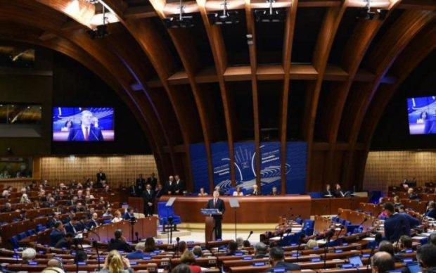 Чинуши в восторге: ЕС даст украинцам еще 30 миллионов