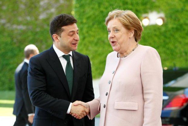 Меркель ледь не втратила свідомість на зустрічі із Зеленським: її стан стривожив увесь світ