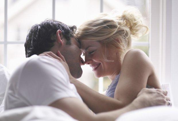 Эротический гороскоп на 18 ноября: кого засыпят ласками и комплиментами