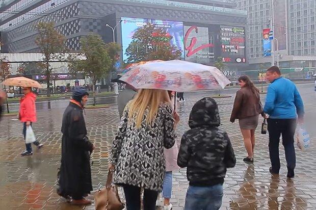 Дощ, скріншот з відео