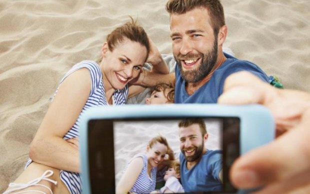 Відпочивальникам порадили не ділитись фотографіями у Facebook