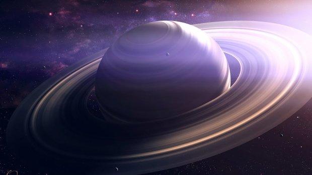 Ученые обнаружили гигантскую инопланетную станцию: вертится вокруг Сатурна