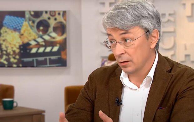 Министр культуры Ткаченко заговорил о полном локдауне на две недели и отмене Нового года