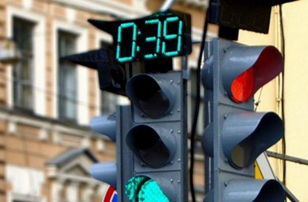 Світлофори на дорогах замінять датчики руху