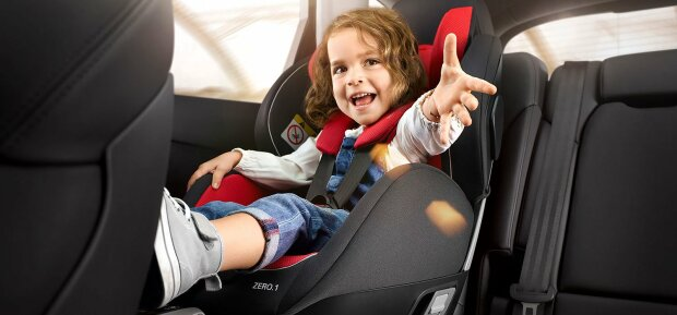 В Раде ввели штрафы за перевозку детей без автокресла: во сколько обойдется беспечность водителей