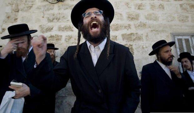 Накинулися з ножами та палицями: в Умані побили групу євреїв