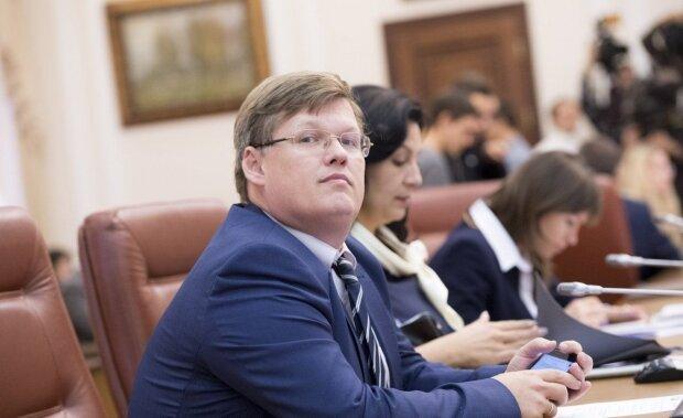 """Азаров неожиданно """"взялся"""" за Розенко, но украинцы поставили на место обоих: """"Хочется разорвать на куски"""""""