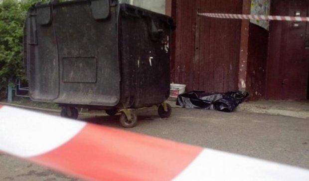 У Київському сміттєпроводі знайшли тіло немовляти