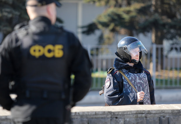 На работу не доехал: ФСБшные церберы похитили известного крымского адвоката