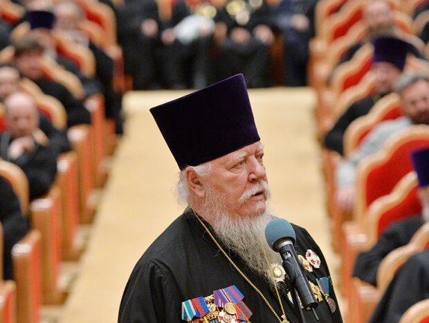 """Российский священник нашел новый """"способ"""" отучить ребенка от матерных слов: """"Дал по морде и..."""""""