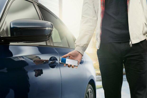 BMW и iPhone, apple