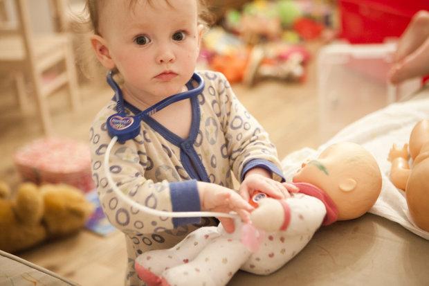 Медицинский скандал в Украине: неуки-врачи укололи ребенка неизвестным веществом