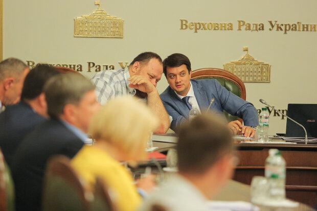 Филарет, Разумков, Стефанчук и другие: кто открыл заседание новой Рады Зеленского