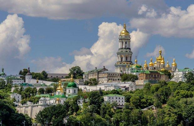 Московські попи з речами виїдуть з Лаври: стало відомо, коли