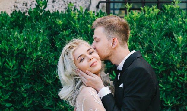 Гросу показала ще одну сукню з весілля, і вона неймовірна: як казкова Попелюшка