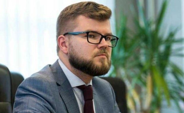 Глава УЗ Кравцов написал заявление об увольнении с открытой датой на имя Гройсмана