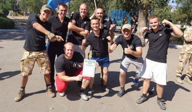 Полк «Дніпро-1» зіграв матч з учнями ЗОШ №2 Красноармійська (фото)