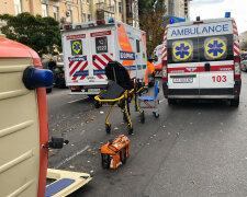 В центре Киева перевернулась скорая помощь с пациентом
