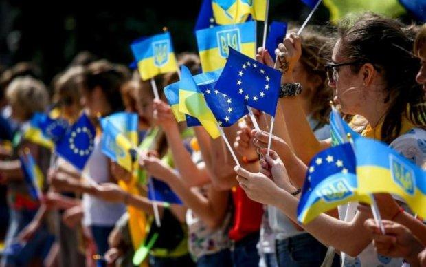 Потеряют ли украинцы безвиз – Европа ответила