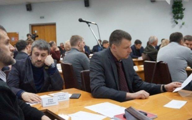 Криворіжці відкликали чотирьох депутатів