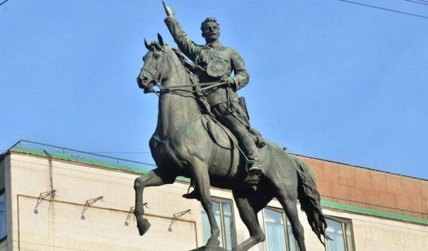 Київ залишиться без пам'ятника Щорсу