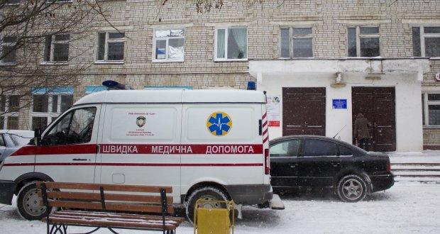 Немовля впало в шахту ліфта, батьки у нестямі від горя: не змогли врятувати