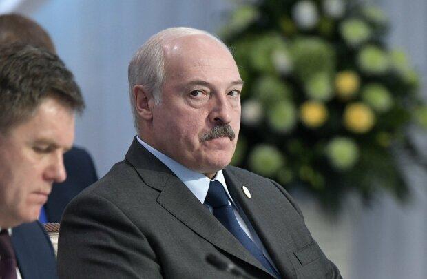 """Лукашенку """"прилетіло"""" від Путіна через дружбу з оточенням Трампа: таких гнівних слів """"бацька"""" ще не чув"""