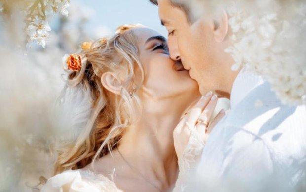 Розкрита головна таємниця поцілунків