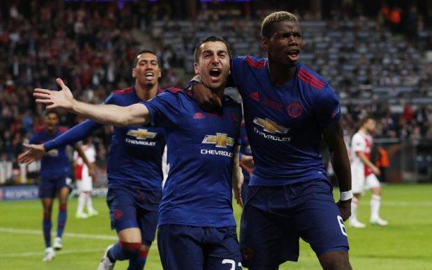 Манчестер Юнайтед разобрал Аякс в финале Лиги Европы