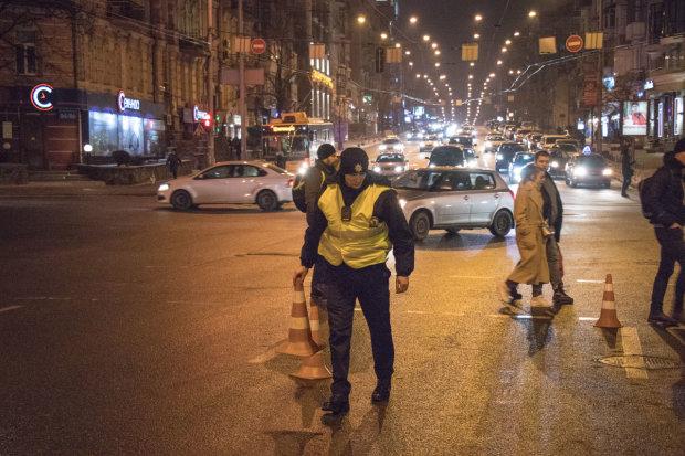 В центре Киева вечером ограничат движение транспорта: произойдет шествие