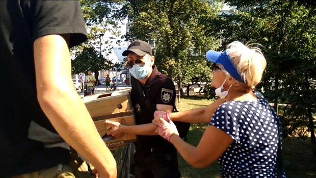 В Киеве копы жестоко разогнали торгашей на Шулявке
