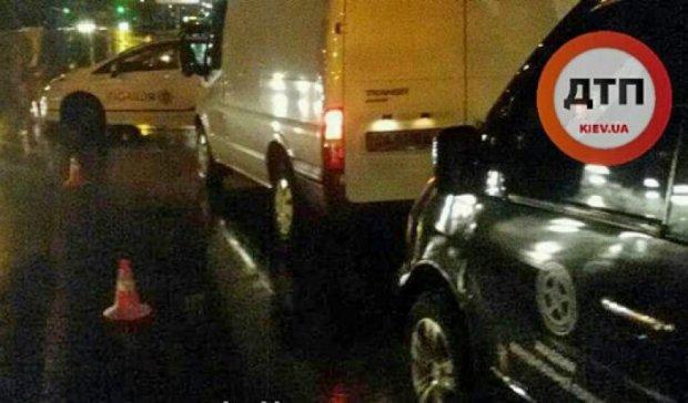 ДТП у Києві: Ford збив жінку-пішохода (фото)