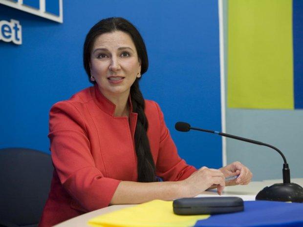 """""""Злиденна"""" Богословська подарувала ЦВК 2 мільйони: хочу в президенти"""