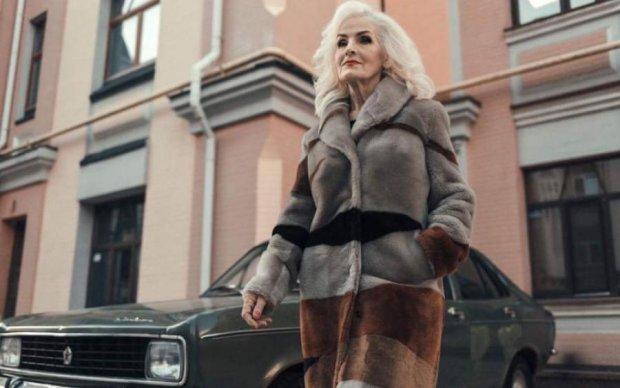 Секрет краси простий! 70-річна модель розкрила, як їй вдається виглядати на 35