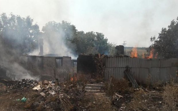 Бойовики палять будинки мирних жителів Донбасу