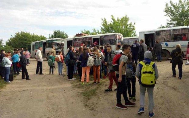 Столкновение поездов на Хмельнитчине: копы назвали точное число раненых