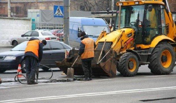 """""""Втомлений"""" Київавтодор попався на мільйонних махінаціях"""