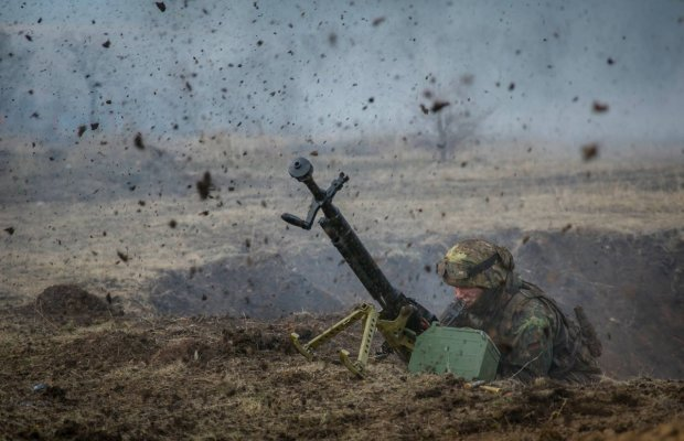 От трагедии к празднику: невероятное фото с Донбасса попало в ТОП-100 по версии Time