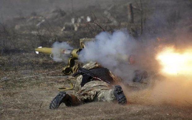 Гаряча доба в АТО: десятки обстрілів та поранені українські герої