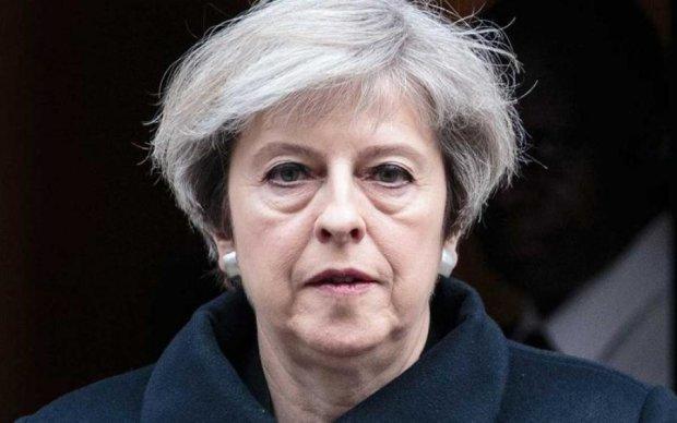Не справилась с Brexit: Мэй пакует чемоданы