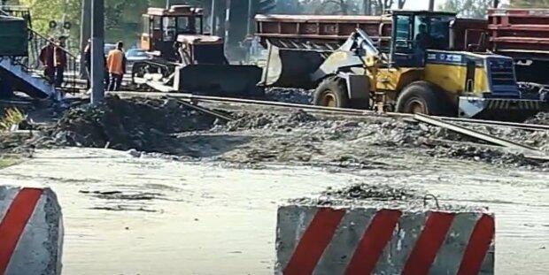 Губернатор Козицький похвалився новенькими дорогами, львів'яни не помітили