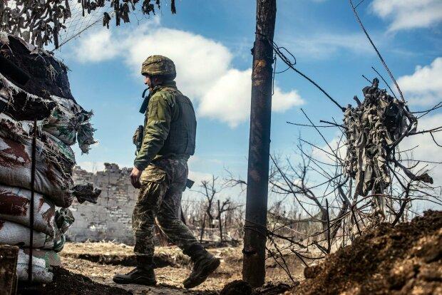 Боевики что есть мочи обстреляли ремонтников на Донбассе: в штабе ООС сообщили печальные новости