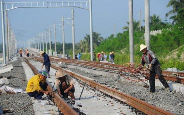 Омелян пообіцяв нову залізницю. Китайці в темі