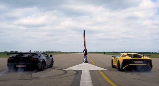 Lamborghini Aventador SVJ проти SV, скріншот